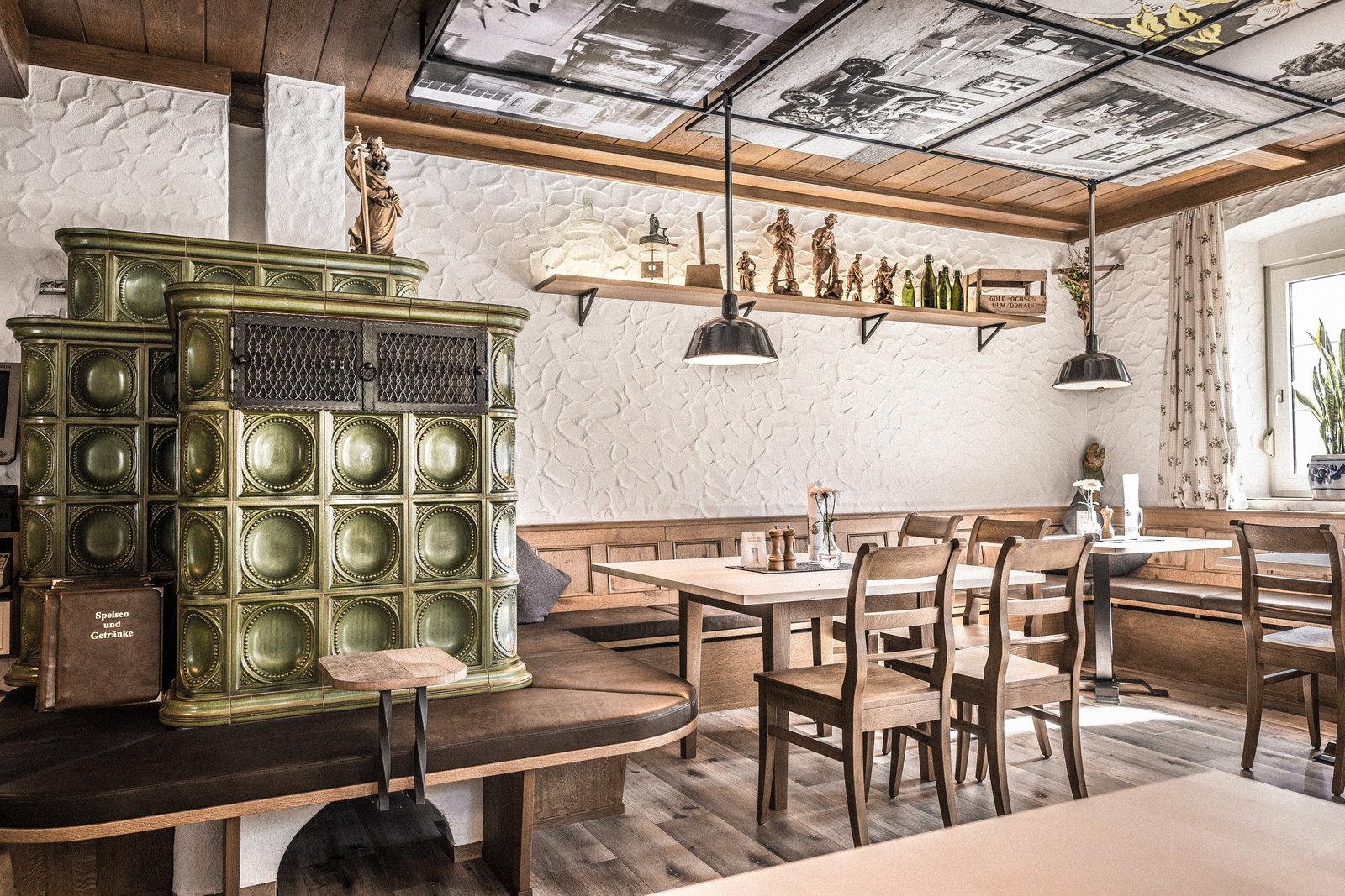 Finninger Dorfwirtshaus Gasthaus Innenraumdesign